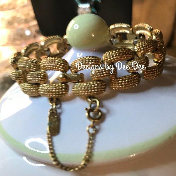 Vintage Monet Large Link Gold Tone Bracelet